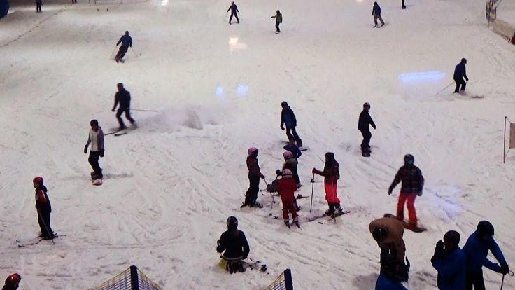 Erleben Sie einen Skiurlaub im Hochsommer in der Skihalle Neuss