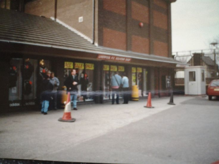 20130818_140032.jpg - The Kop Photo - Liverpool FC The old shop