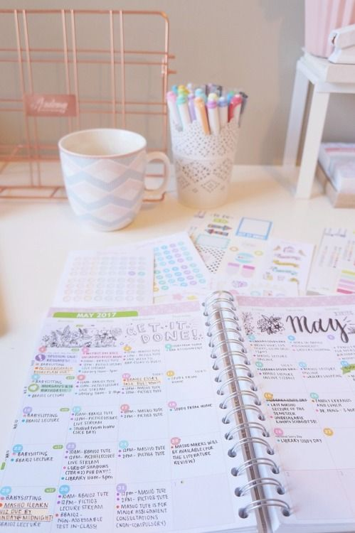 jammin' on my planner : the-girlygeek: Throwback to Friday morning when my...