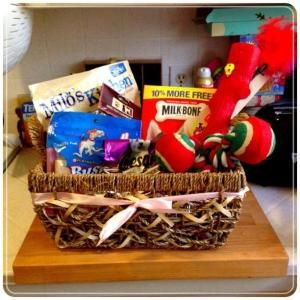 cute gift basket idea for a new pet owner gift ideas gifts hostess