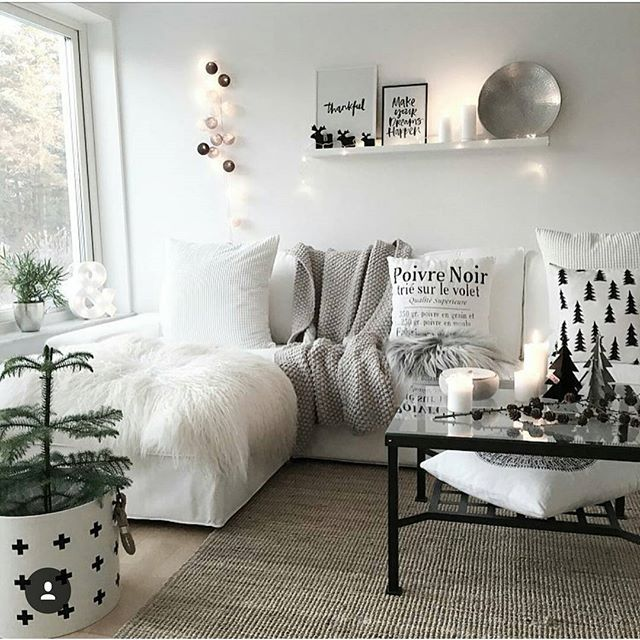 L o v e l y ♡♡ Pic cred: @mykindoflike ✅ #greyinterior_ #beautifulhome #roominterior #roomdeco #homeinterior #wooninspiratie #woonstyling #boligpluss #bobedre #interiør #nordicinspiration #whiteinterior #norsuinteriors #interiorwarrior #homespo #passion4interior #nordicliving #decorationideas #kajastef