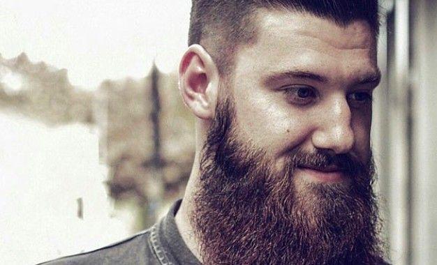 Beard Styles 2015: Long Hair avec Slick
