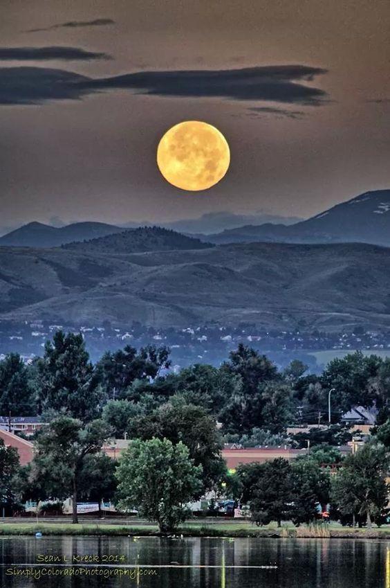 July 2014 Super moon taken over Sloan Lake, Denver, Colorado. ~ taken by Sean Kreck  #moon #denver #colorado