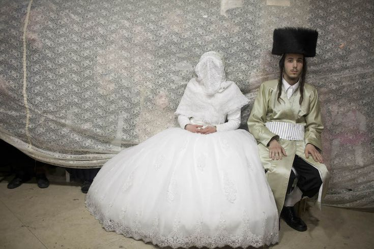 IlPost - Gerusalemme, Israele - Un matrimonio tra ebrei ultra-ortodossi nel quartiere di Mea Shearim  (Lior Mizrahi/Getty Images)