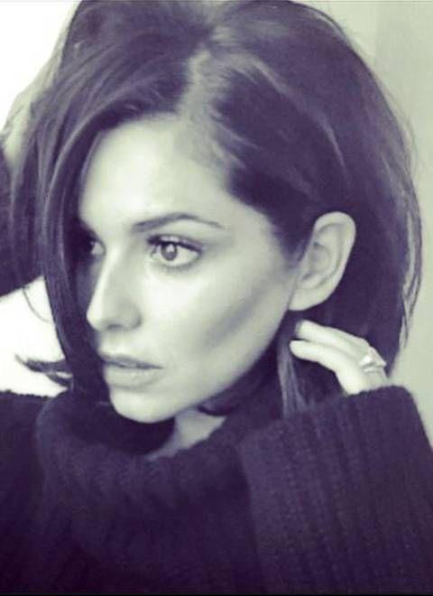Mit einer sexy Pose präsentiert Cheryl Fernandez-Versini ihren 1,3 Millionen Abonnenten bei Instagram ihren kinnlangen, durchgestuften Bob.
