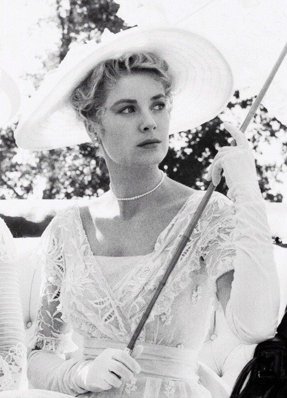 gatabella:  Grace Kelly on the set of The Swan