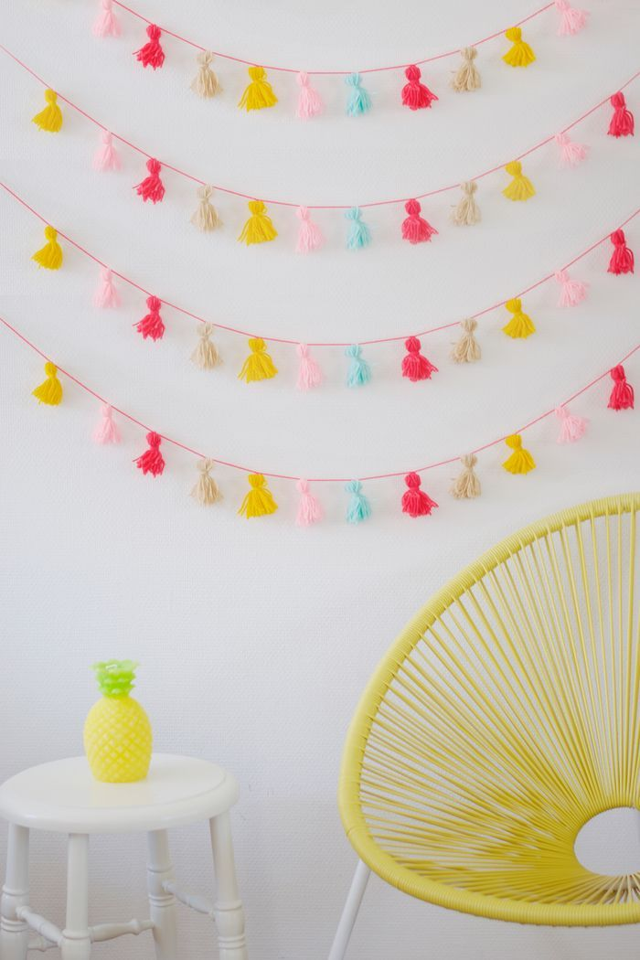 Tassel bunting DIY by Wimke Tolsma at Bloesem kids craft