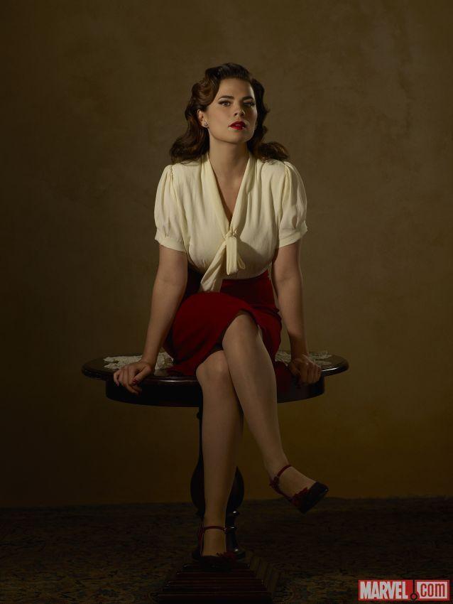 Partager Tweeter Épingler E-mail Quelle classe ! Voici les portraits promotionnels de la saison 2 d'Agent Carter : Hayley Atwell est Peggy Carter ; ...