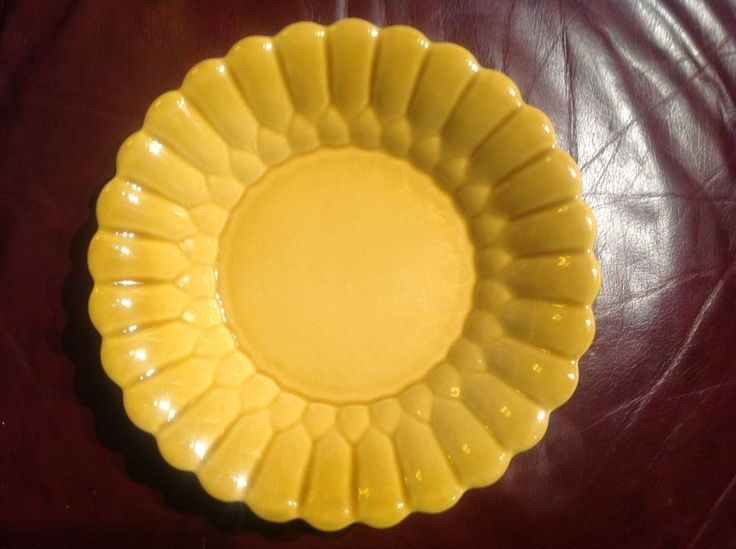 """494-26 FLOWER CERAMIC POTTERY 10"""" PIE PLATE DISH Harvest Gold """"H in a Circle"""""""