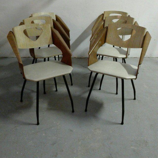 [400€] Set di 4 sedie in legno curvato e metallo, anni 50. Magazzino76 // Via Padova, 76 - Milano. Possibilità di consegna a Milano. #magazzino76 #viapadova76 #milano #vintage #modernariato #antiquariato #design #industrialdesign #furnituredesign #furniture #mobili #modernfurniture #armchair #chair #arredo #arredodesign