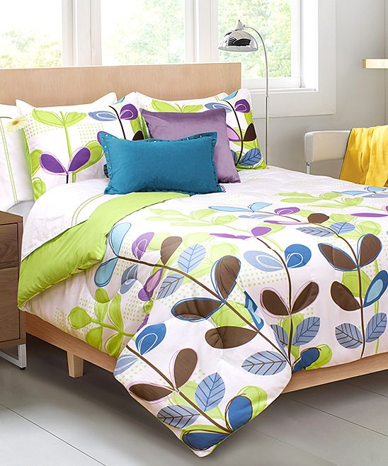 designs for small bedrooms 17 best ideas about green comforter on green 15148