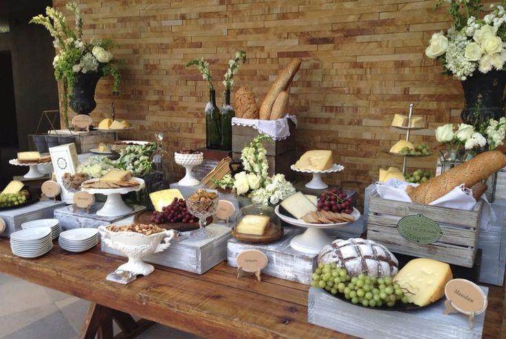 Mesas, Sillas, Globos gigantes, Mesas Altas, Salas, Flores y más...   Mesa de postre, salado y quesos