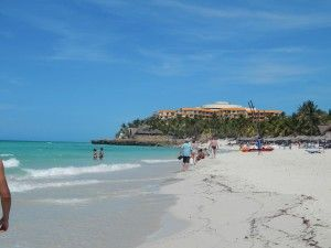 Vista del Hotel Meliá Varadero desde la playa