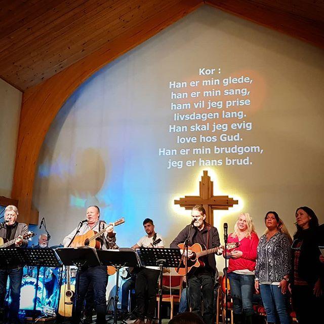 Evangeliesenteret er i Bryne Frikyrkje  Vi har fantastiske dager med sterke vitnesbyrd og mye sang og musikk. Kom og bli med!