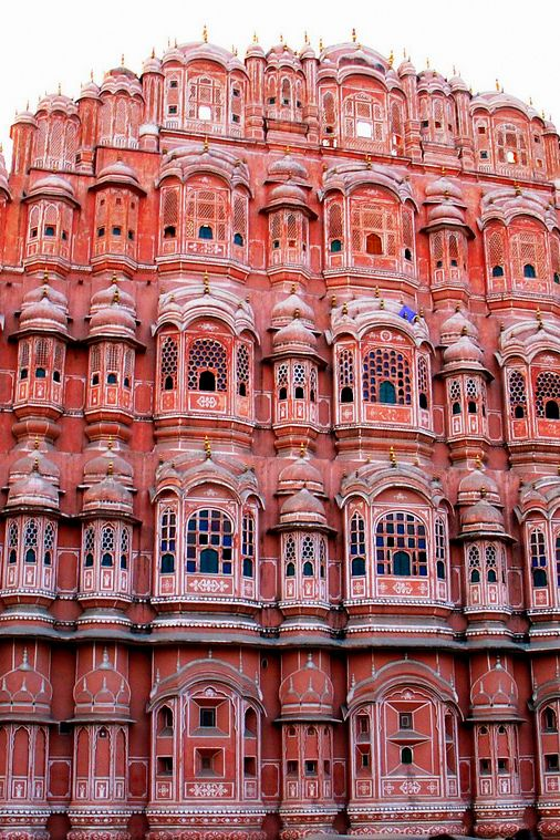 The Pink City is a melting pot of history, culture, architecture and colorful tradition. The following is a shortlist of the best places to visit in #Jaipur. #India