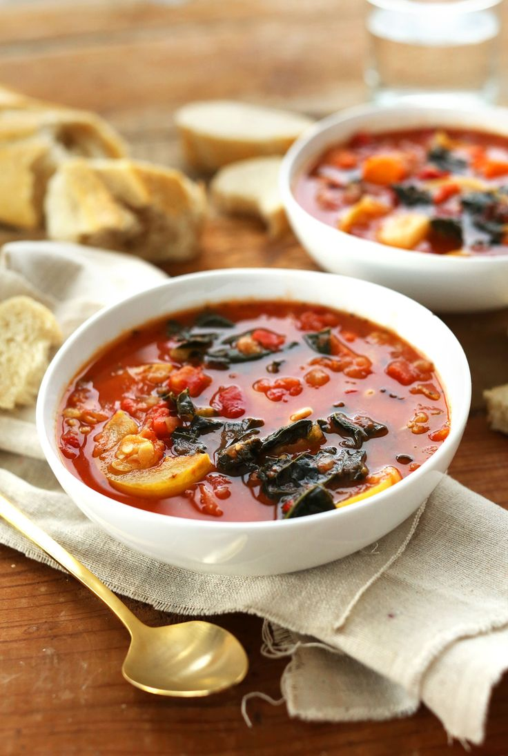 Tomato and vegetable white bean soup