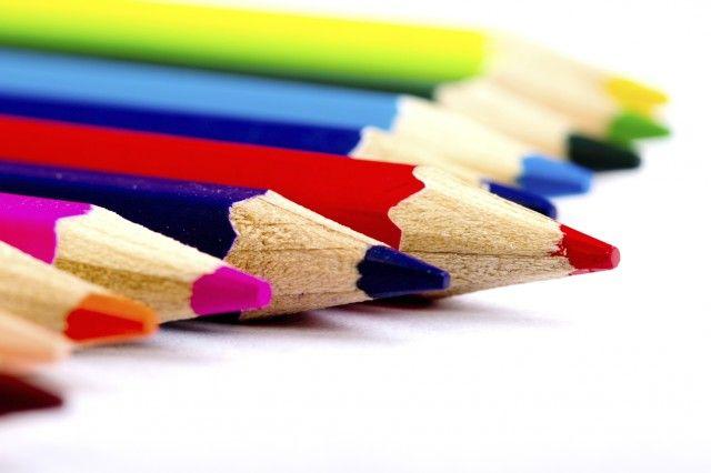 Tante idee per riciclare le matite colorate con fantasia e creatività
