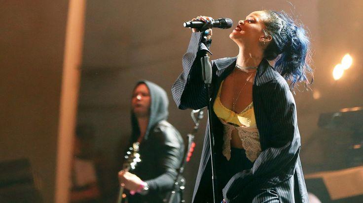 Weekend Rock Question: What Is the Best Rihanna Song? #headphones #music #headphones