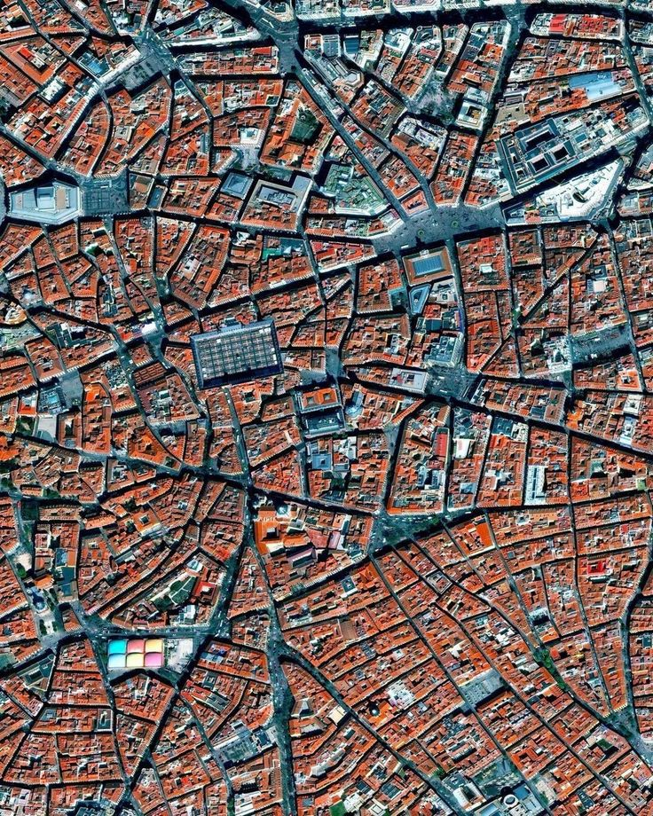 La Latina is a neighborhood in the center of Madrid Spain. The neighborhood was named after a hospital of the same name that was founded in 1499. In this lower left of this Overview you can also see the popular Mercado de la Cebada market with its multi-colored rooftop. /// Created by @micahjmarshall source imagery: @digitalglobe . . . #SpaceCityDrones #Paradise #Vacation #airbnb #Wanderlust #Nature #Instagram #instalike #picoftheday #instadaily #Viewfromabove #fromwhereidrone #Drone…