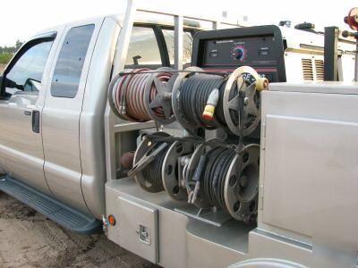 2008 ford 4X4 custom built welding truck