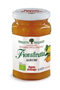 Dal perfetto mix dei frutti tipici della stagione invernale nasce Fiordifrutta agli Agrumi. Arance amare, limoni, mandarini, bergamotti regalano a questa confettura un gusto veramente vivace e speciale.