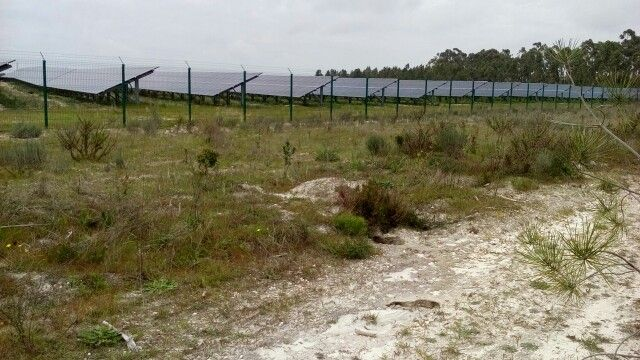 Massive pv power plant of at least 20 acres south of Caparica