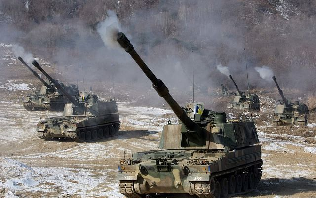 self propelled artillery | ... States and South Korean army with artillery howitzer M109A6 and K-55