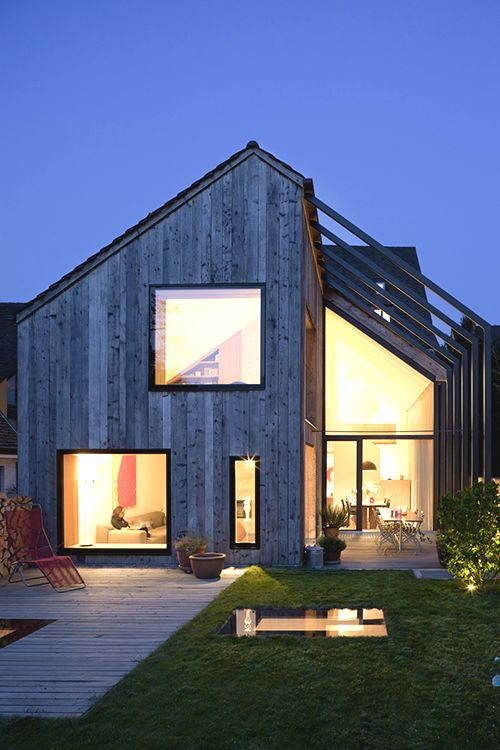 Schöne Fensterrahmen und Form, Idee für Balkoneinzug?