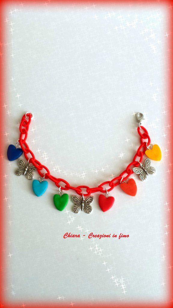 Bracciale in tessuto rosso con cuori in fimo multicolore e farfalle idee regalo san valentino compleanno , by Chiara - Creazioni in fimo, 8,00 € su misshobby.com