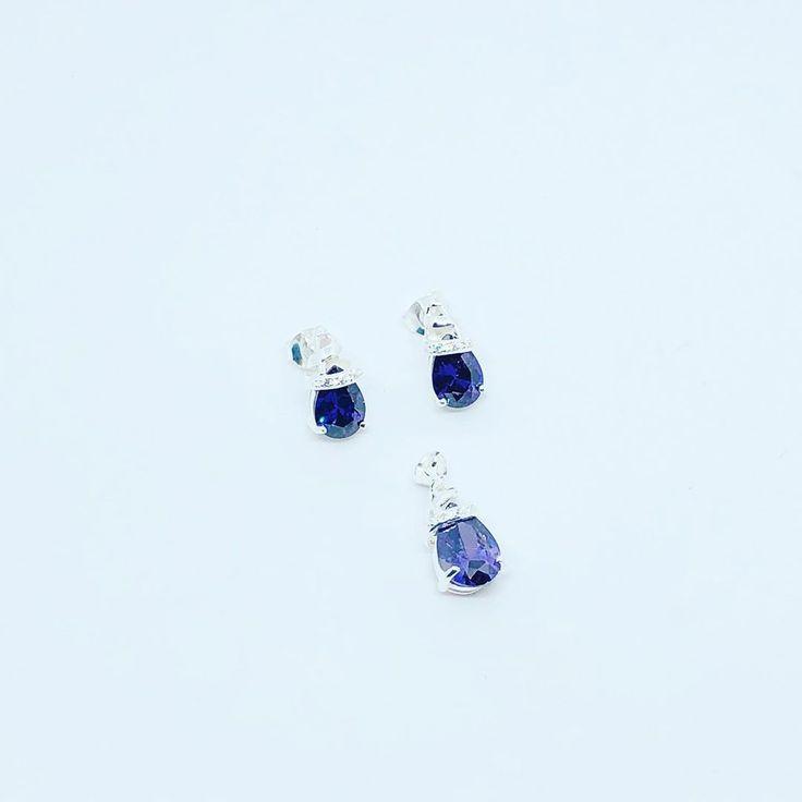 Neue Spielmodelle mit Zirkonen in verschiedenen Farben und Designs, 925er Silber …   – jewelry