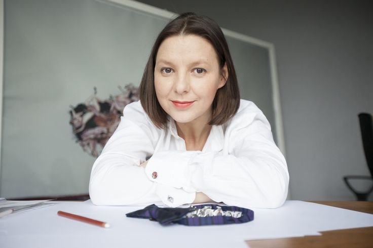 Magda Dąbrowska - Projektantka Biżuterii YES. LINK: www.YESisMyBless.com/kwestionariusz-blasku-magda-dabrowska-i-kasia-bukowska-projektantki-bizuterii-yes/ #BizuteriaYES #jewellery #manufacture #silver #designer #story