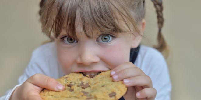 L'acrilammide nei biscotti per bambini molto piccoli può essere drasticamente ridotta. I risultati delle analisi di tre associazioni francesi indicano che, però, non tutti lo fanno