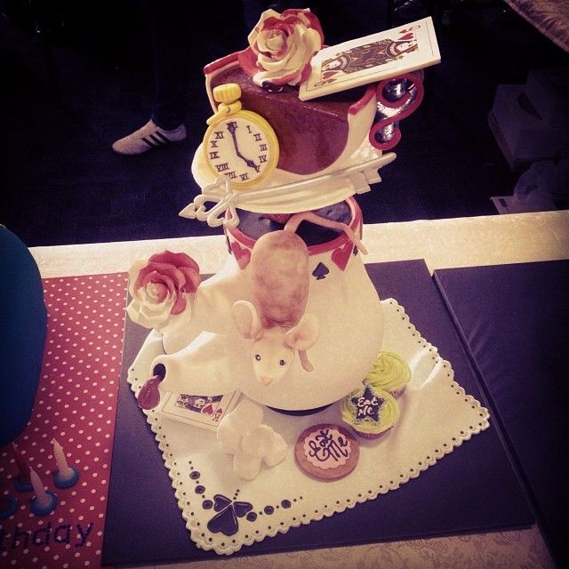 Our apprentice's fantastic cake for the Melbourne Cake Expo Novelty Competition