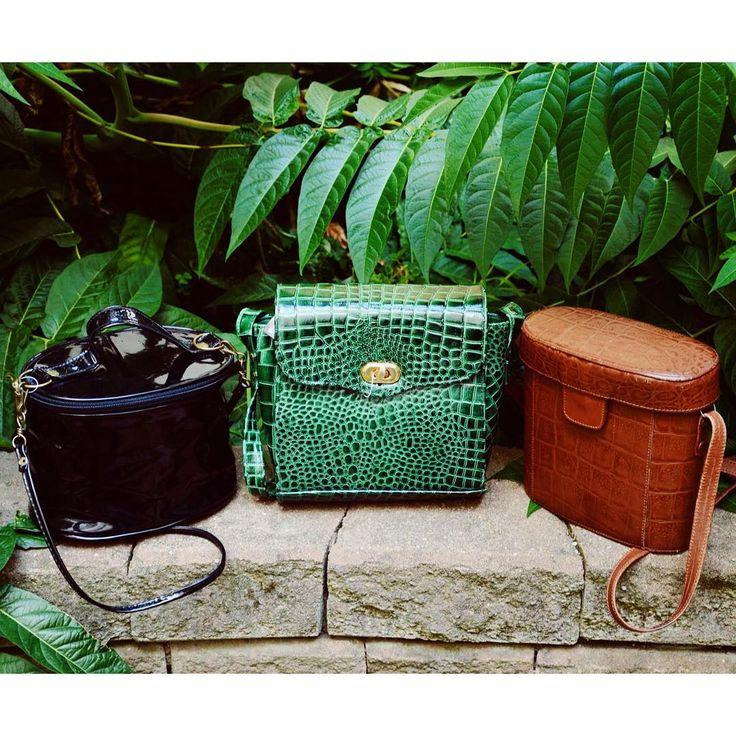 Vintage jungle  Cute little vintage purse selection: unique green crocodile leather bag, 90's style dope lacquer handbag  #szputnyik #szputnyikshop #budapest