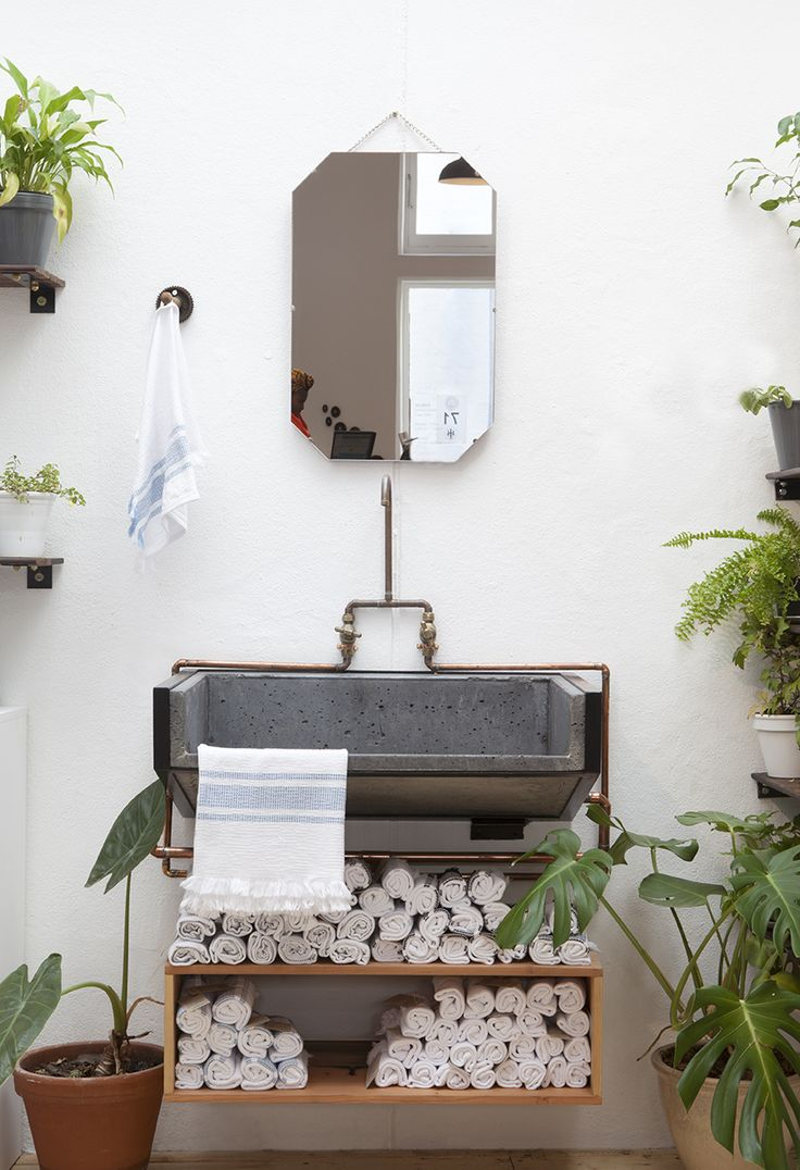 Shop Scene | Custom-made, cast concrete sink at the mungo store
