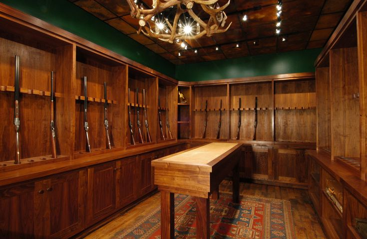 108 best images about man cave on pinterest fine for Jackson wy alloggio cabine
