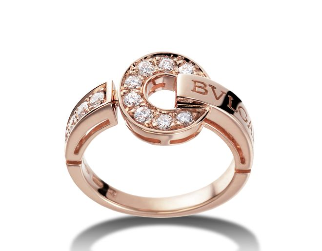 BVLGARI∙BVLGARI Rings - Discover Bvlgari's collections and read more about the magnificent Italian jeweler on the official website.