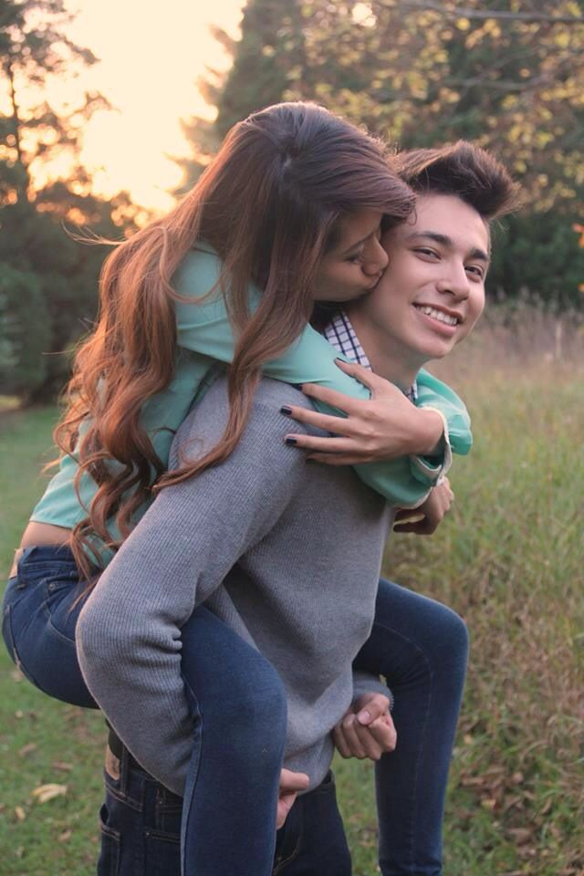 Fall couple pictures