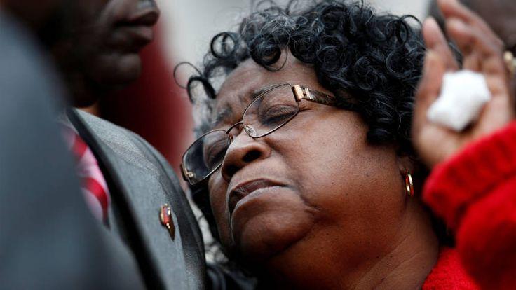 Rechtszaak agent die zwarte man doodschoot ongeldig verklaard | NOS