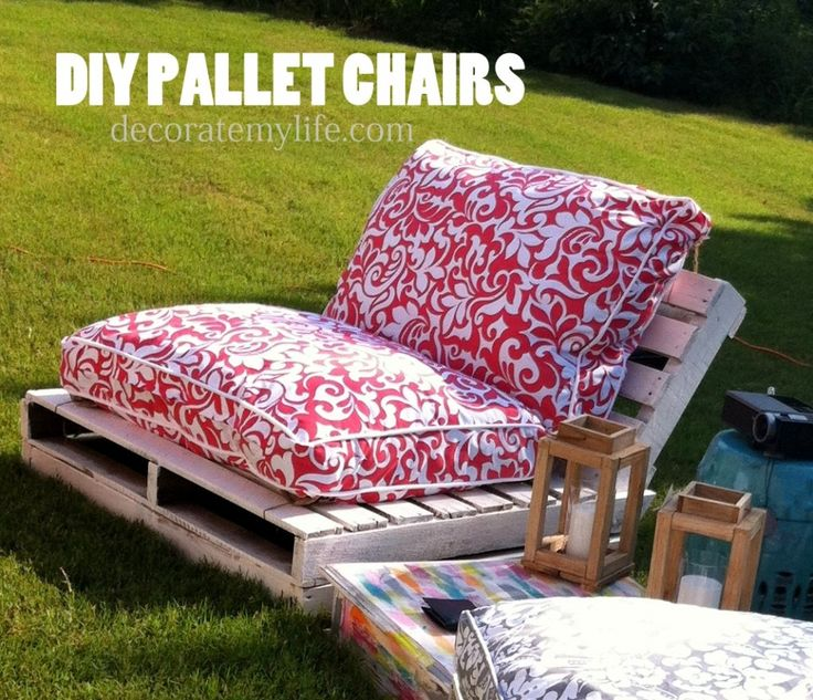 Decorate My Life | DIY Pallet Chairs | http://decoratemylife.com