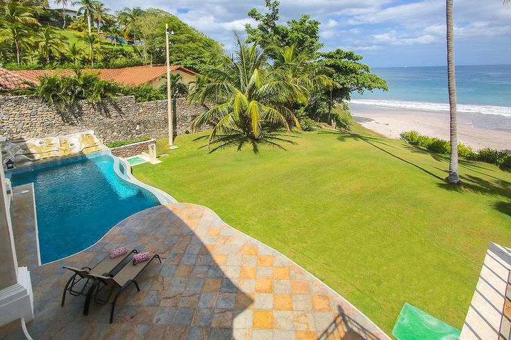 One of Costa Rica's first beaches to receive international acclaim, this picturesque oceanfront is currently one of the country's most lavish holiday destinations.