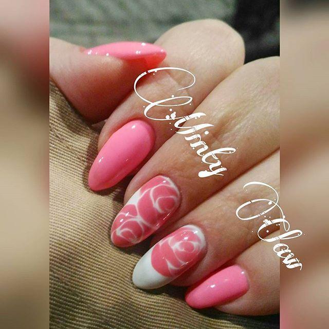#paznokcie #nails #manicure #instanails #mintyclaw #neonail #nailstoinspire #naturalnails @neonailpoland #roses #pinknails #sharmnails #sharm #wetonwet