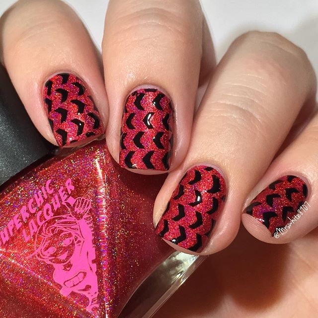 Sexy red and black nails using Herringbone Stencils from @stickit_nailvinyls I used: @superchiclacquer Realm of Erotica @pipedreampolish atrament @glistenandglow1 HK Girl topcoat Herringbone Stencils by @stickit_nailvinyls 🎬Tutorial up later! #prsample #stickitnailvinyls  #superchiclacquer #pipedreampolish