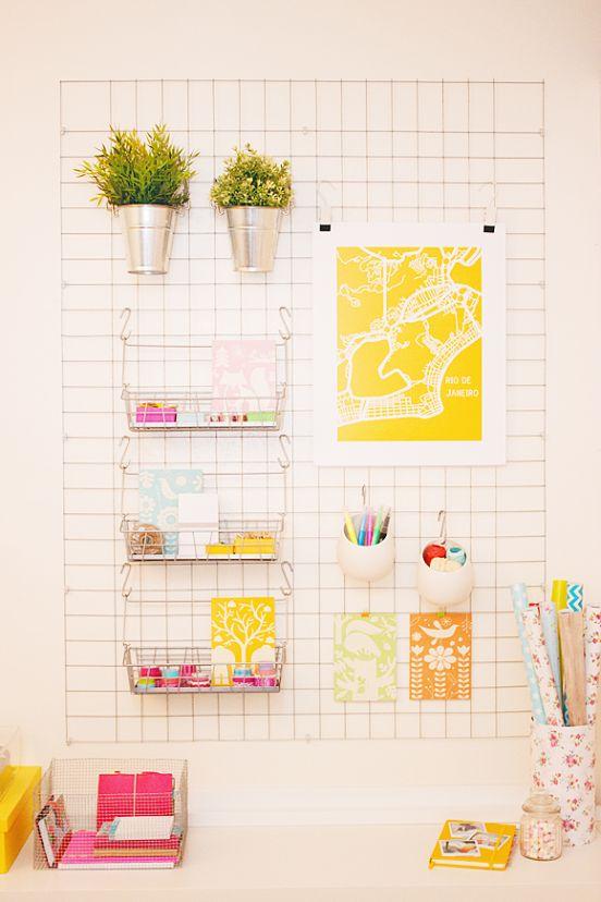 Een handig wandrek voor je bureau. #IKEADIY #DIY #IKEAxTheLifeFactory