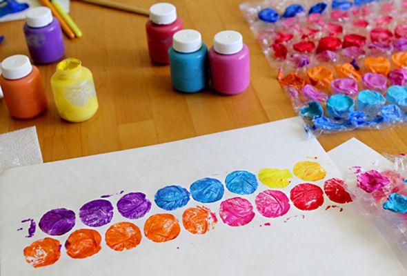 Printmaking with Bubble Wrap from @Modern Parents Messy Kids: Craft Kids, Kids Painting Projects, Wrapping Paper, Bubblewrap, Art, Bubbles, Diy Craft, Bubble Wrap