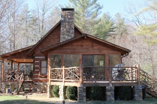 Mountain Magic Cabin Rental. North Carolina vacation rentals. This affordable vacation cabin rental is the ideal place for a nice relaxing,  peaceful getaway.  Mountain Magic is both cozy and comfortable,  with modern style,  and decor.    Mountain Magic has lots vacation rental.