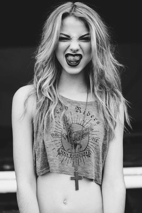grunge girl.....cute !