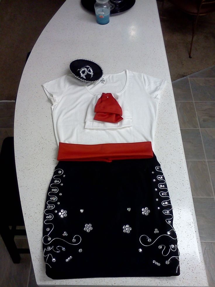 Mother's Costume for The Three Amigos