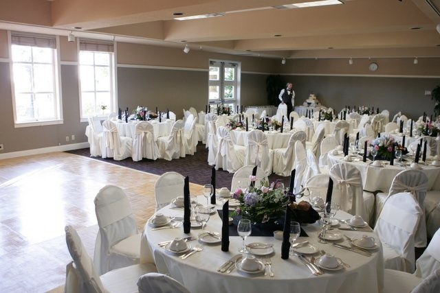 Wedding reception in the seascape room at chaminade resort