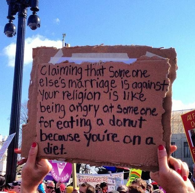 uk transsexuals kissing